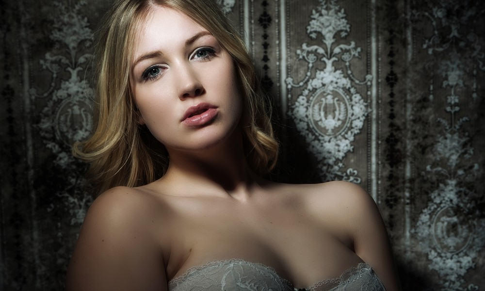 Beauty Unveiled / Boudoir Photography throughout Hertfordshire, Essex and UK, Portrait Photographer, Studio Photography
